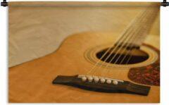 1001Tapestries Wandkleed Akoestische gitaar - Schuine kijk op een akoestische gitaar Wandkleed katoen 120x80 cm - Wandtapijt met foto