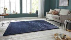 Tapeso Handgetuft hoogpolig vloerkleed Supersoft - marineblauw 80x150 cm