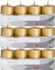 Trend Candles 12x Gouden cilinderkaarsen/stompkaarsen 5 x 8 cm 18 branduren - Geurloze goudkleurige kaarsen - Woondecoraties