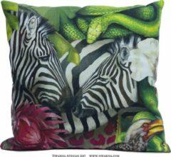 Beige African Jungle Zebra Kussenhoes - WhimsicalCollection - Katoen 45 x 45 cm met rits sluiting - Afrika - Jungle - Wilde dieren - Kleed jouw huis of tuin prachtig aan met deze kussenhoes. Gemaakt in Zuid Afrika - Kussen niet inbegrepen