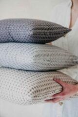 Antraciet-grijze Moes & Griet Cushion Cover Charcoal | Waffle 40x40
