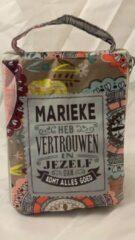 History&heraldy Shopper bag dames met leuke tekst MARIEKE HEB VERTROUWEN IN JEZELF DAN KOMT ALLES GOED winkeltasje Wordt geleverd in cellofaan met linten