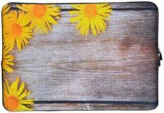 Gele Misstella Laptop Sleeve met bloemen tot 14 inch – Geel/Bruin