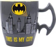 Grijze Half Moon Bay Batman Stoneware Mug City Scene