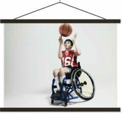 TextilePosters Een nog jong kind speelt rolstoelbasketbal schoolplaat platte latten zwart 40x30 cm - klein - Foto print op textielposter (wanddecoratie woonkamer/slaapkamer)