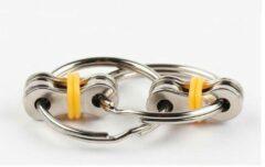 VG Deals Fidget Sleutelhanger   Friemel Gadget   Fidget Speelgoed   Anti Stress   Stress Ring   Friemel Ring   Fidget Keychain   Groen
