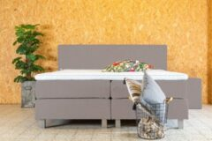 PITT Boxspring Vlegel 160x200 cm - Beige stof - Geveerde box - Pocketvering matras - HR topper 5cm