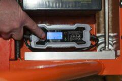 Oranje Lockhard Hoogwerker Compact Uplift 5 werkhoogte 5 meter. 120 kg uitvoering Industrieel uitgevoerd.