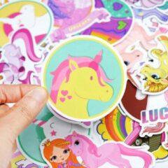 Roze Favorite Things 30 Eenhoorn stickers voor laptop, schoolbeker, skateboard, muur, douche etc. Hoge kwaliteit plaatjes, watervast en kleurvast.