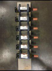 Antraciet-grijze Scotts Bluf Wijnrek van hout en antraciet leer - 1mtr hoog en plaats voor 6 wijnflessen - Wijnrek van steigerhout en grijs leer. Op te hangen of staand te plaatsen