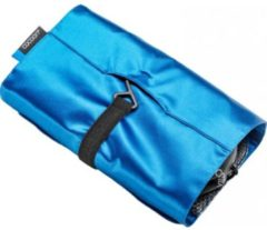 Cocoon - Hanging Toiletry Kit Minimalist with Silk - Toilettas maat 24 x 17 x 1 cm, blauw/turkoois