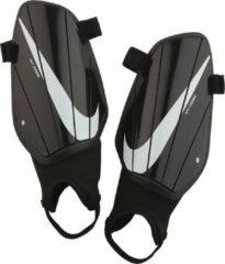 Zwarte Nike Scheenbeschermers charge guard black
