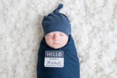 Marineblauwe Lulujo cadeau set Hello World Swaddle & Hat - Navy