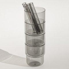 4 borosilicaat stapel glazen 250 ml, grijs met 4 dikke grijzen glazen rietjes. 100% vaadwasser veilig Nederlands ontwerp Maarten Baptist