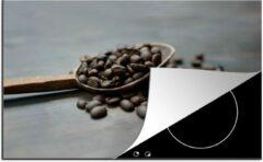 KitchenYeah Luxe inductie beschermer Pollepel - 80x52 cm - Koffiebonen in een houten pollepel - afdekplaat voor kookplaat - 3mm dik inductie bescherming - inductiebeschermer