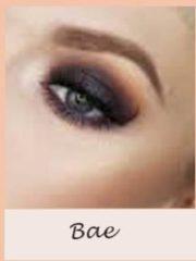 Donkerblauwe Colourpop oogschaduw Bae