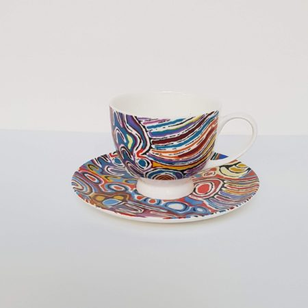 Afbeelding van Paarse Alperstein Designs Design kop en schotel - Judy Napangardi Watson - Aboriginal collectie
