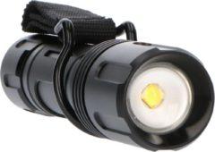 Zwarte Proventa PRO LED Zaklamp met zoomfunctie - Dimbaar - Waterdicht - Tot 200 meter