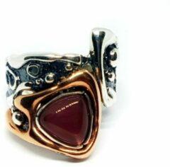 Marutti zilveren ring met bordeaux Kattenoog