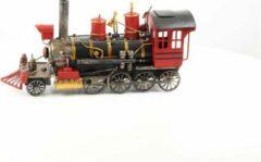Rode Baakman Stoomlocomotief - Tinnen beeldje - handbeschilderd - 19,5 cm hoog