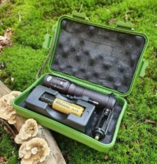 Zwarte Unlimited Products Militaire Zaklamp LED-2000 Lumen-Hardcase Opbergdoos-Waterproof IPX-6