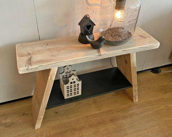 Afbeelding van VNLR Steigerhouten krukje - bankje - gebruikt hout met zwart houten schap