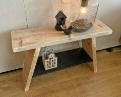 VNLR Steigerhouten krukje - bankje - gebruikt hout met zwart houten schap