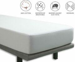 Witte Tural - Waterdichte en ademende matrasbeschermer en onderlaken 2 in 1. 100% katoenen stof. Kinderbedje/wieg Maat 70x140 cm