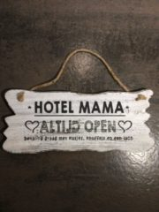 Witte Woodart Tekstbord Hotel mama 30 x 12 cm