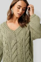 Groene NA-KD Trend Wool Blend V-Neck Heavy Knitted Cable Sweater - Green