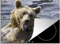 KitchenYeah Luxe inductie beschermer Zwemmende Beer - 75x52 cm - Bruine beer die boven het water uitkomt en zijn tanden laat zien - afdekplaat voor kookplaat - 3mm dik inductie bescherming - inductiebeschermer