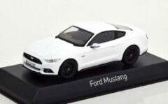 Ford Mustang 2015 Wit 1-43 Norev