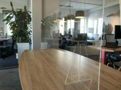 Transparante Eigen huismerk Plexiglas Werkplek Scheidingswand 140x65cm