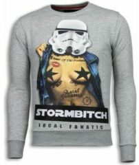 Local Fanatic Stormbitch - Rhinestone Sweater - Licht Grijs Sweaters / Crewnecks Heren Sweater Maat XL