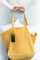 TALES OF TOILE Duurzaam linnen shopper met handgemaakte tassel/ Minimalistische linnen draagtas met handvatten en zakje/grote sterke boho boodschappentas van linnen Ochre geel kleur/ duurzame moederdagcadeaus