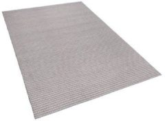Licht-grijze Vloerkleed lichtgrijs 140 x 200 cm KILIS