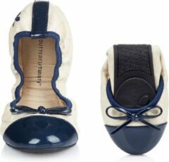Creme witte Butterfly Twists Butterfly Twist Olivia Opvouwbare Ballerina's Cream Navy Maat 38