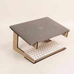 Bruine Laser oirschot REKTANGLER KURVER - Laptop standaard - Demontable design - Universeel 13,15,17 inch - Eikenhout - Laptop tafel