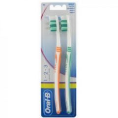 Oral-B Oral B Tandenbostel Classic Care 40 Medium