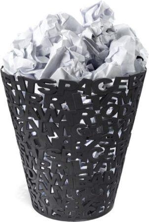 Afbeelding van Balvi prullenbak Letters zwart kunststof
