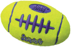 Kong air football medium 1 ST - Bal - Geel - Kattenspeelgoed - 150 x 130 x 64 mm