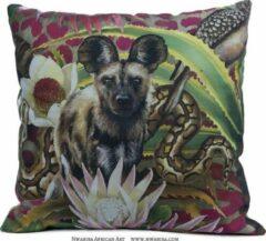 Beige African Jungle Wilde hond Kussenhoes - WhimsicalCollection - Katoen 45 x 45 cm met rits sluiting - Afrika - Jungle - Wilde dieren - Kleed jouw huis of tuin prachtig aan met deze kussenhoes. Gemaakt in Zuid Afrika - Kussen niet inbegrepen