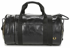 Zwarte Reistas Fred Perry Classic Barrel Bag