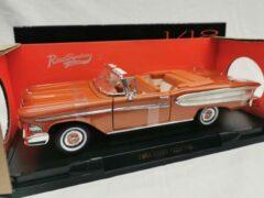 Lucky Die Cast Edsel Citation Cabriolet 1958 Oranje 1-18 Lucky Diecast