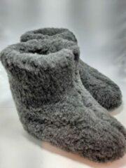 Geen merknaam Schapenwollen sloffen grijs maat 42 100% natuurproduct comfortabele nieuwe luxe sloffen direct leverbaar handgemaakt