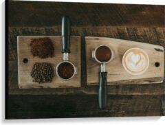 Beige KuijsFotoprint Canvas - Gemalen Koffiebonen en Koffie op een Plankje - 100x75cm Foto op Canvas Schilderij (Wanddecoratie op Canvas)