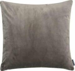 Grijze The Cushion Shop kussen Velvet Mauve Grey