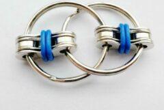 VG Deals Fidget Sleutelhanger   Friemel Gadget   Fidget Speelgoed   Anti Stress   Stress Ring   Friemel Ring   Fidget Keychain   Oranje
