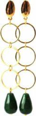 ELLEN MEIJER Oorbellen met 3 ringen goldplated en groene Agaat edelsteen, lengte 7 cm