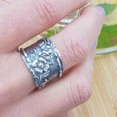 Marutti zilveren ring Bloemen